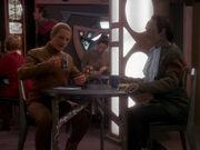 Odo und Garak beim Essen
