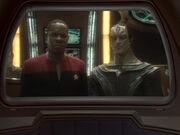 Dukat und Sisko sprechen mit Thomas Riker
