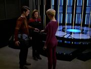 Janeway und Seven verabschieden Icheb