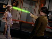 Kirk schießt auf Deela