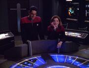Janeway stellt Chakotay auf die Probe