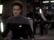 Worf will Kiras Befehl folge leisten
