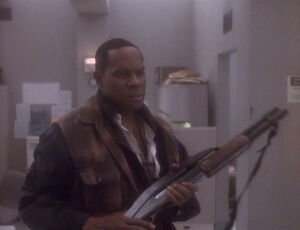 Sisko with shotgun, Past Tense II