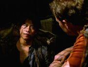 Tom Paris begrüßt Harry Kim im Gefängnis