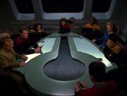 Die Offiziere der USS Voyager hören die Nachricht von Friendship One