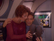Leeta and Julian Bashir with horga'hns