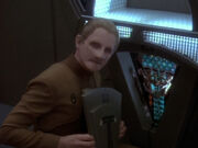 Odo zeigt Sisko manipulierten Replikator