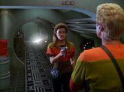 Janeway bedroht Pe'Nar Makull