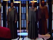 Drayanische Delegation an Bord der Voyager