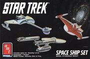 AMT Model kit 6677 Space Ship Set 1989