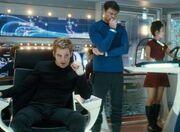 Chris Pine izquierda interpreta teniente James Kirk Star Trek