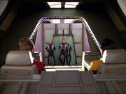 Die Numiri entern das Shuttle und suchen Tom Paris