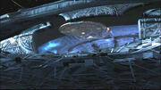 Schiff der Energiewesen nimmt Enterprise auf