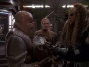 Klingonen belästigen Morn