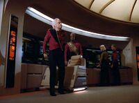 Too Short a Season - admirał wstaje z wózka