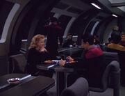 Chakotay und Kellin essen gemeinsam - sie erzählt