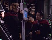 Janeway und Chakotay erkennen, dass sie getäuscht wurden