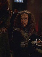 Klingone im Kasino der USS Voyager 2377