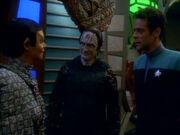 T'Rul berichtet Romulaner nicht eingeladen