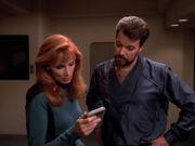 Crusher probt mit Riker