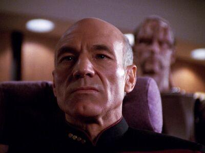 Picard konfrontiert Macet mit den Tatsachen