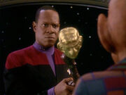 Sisko hat den Zepter des Nagus