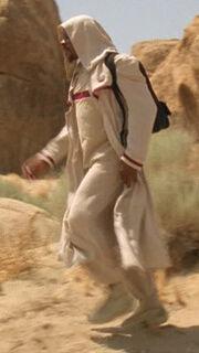 Sisko läuft durch die Wüste