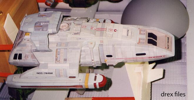 Modell der USS Rio Grande mit Erweiterung seitlich