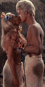 Sayana & Makora découvrant le baiser