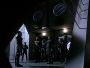 Worf und Garak in Internierungslager 371