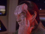 Elim Garak injured