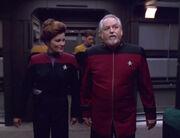 Patterson zeigt Janeway die Voyager