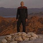 Picard sur la tombe de Kirk
