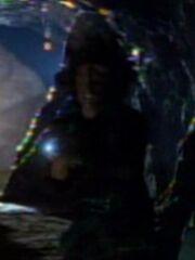 Kazon überrascht Chakotay in Höhle 2