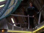 Enttäuscht sieht Jadzia Lenara gehen