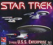 AMT Model kit 38387 3-piece TV Enterprise set 2005