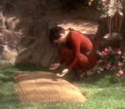 Kira mourns for Ghemor