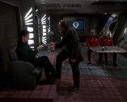 Jadzia wird von Advokat Ch'Pok befragt
