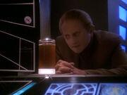 Odo spricht mit dem Wechselbalg