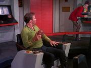 Kirk findet einen Tribble auf seinem Stuhl