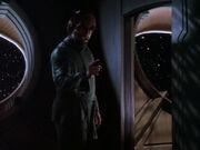 Worf will Jadzia beweisen dass er mit Babys umgehen kann