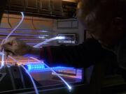 Sisko nimmt Änderungen am Impulsantrieb vor