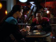 Sisko und Dax beim Essen