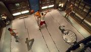 Crew spielt Basketball