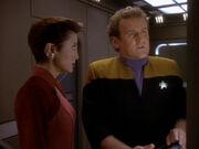 O'Brien und Kira suchen nach Grund für Transporterunfall
