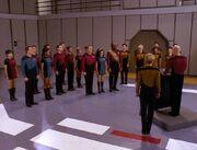 Picard hält Rede vor der Besatzung