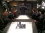 Sisko informiert Führungsoffiziere über Baseballspiel