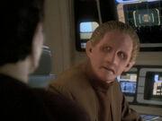 Odo erfährt von der Krankheit der Gründer
