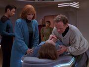 Picard konfrontiert Nuria mit dem Tod