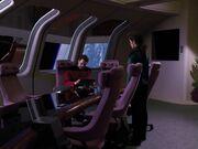 Riker überwacht die Reparatur der Enterprise